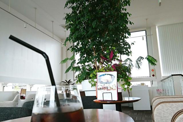 『HILLES CAFE』☕